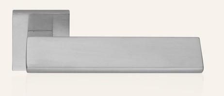 Klamka RIFLESSO 019 CS chrom matowy LINEA CALI